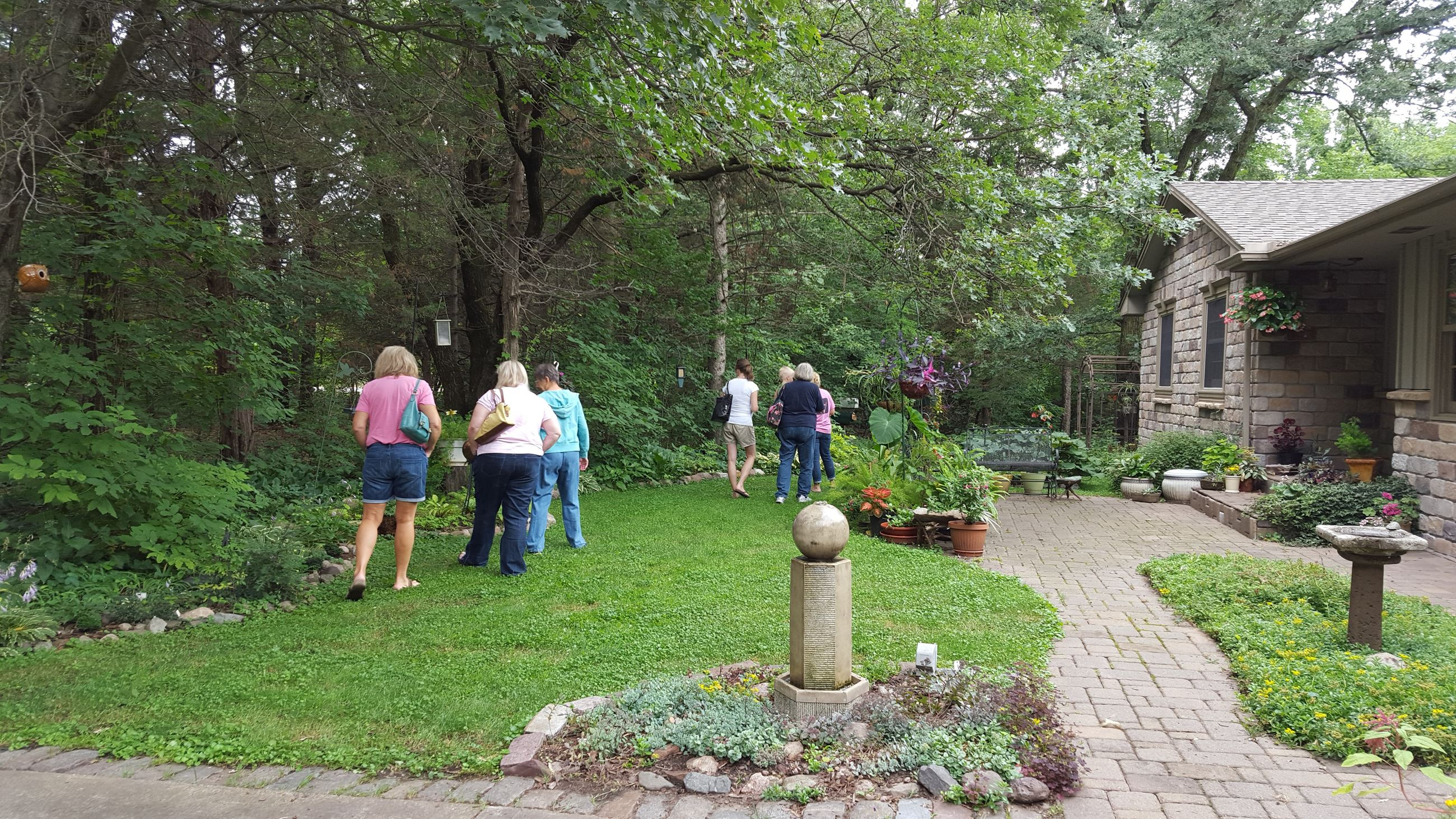 Andover garden tour - people (3)