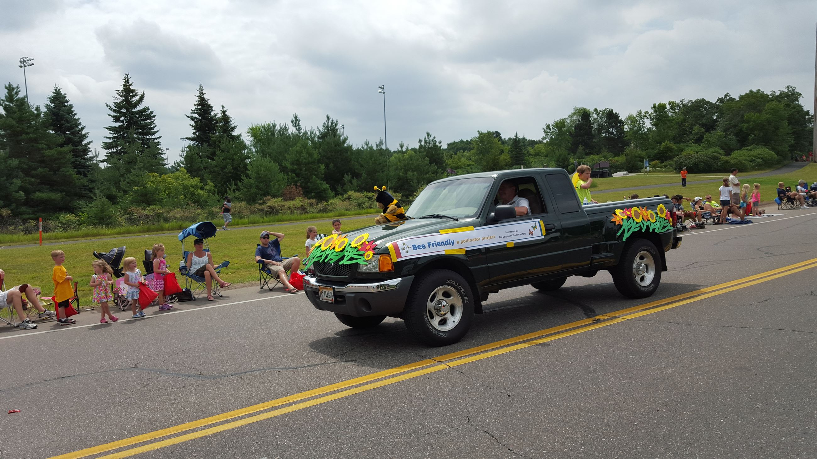 Andover parade - bee friendly (3)